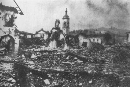 """Firenzuola dopo il bombardamento alleato del 12 settembre 1944 (da """"La strada per Imola"""" di F. Montevecchi)"""